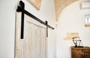 details vacation villa in Puglia