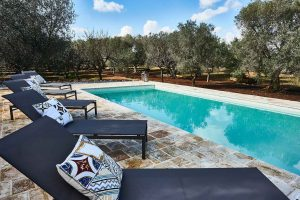 heated pool vacation villa in Puglia