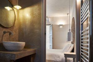 bathroom vacation villa in Puglia