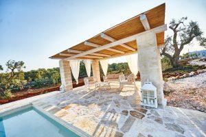 Patio with Pool Spacious Vacation villa Puglia