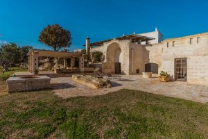 Luxury Masseria Torre Abate Risi Puglia by BeeYond Travel 10 | Side View