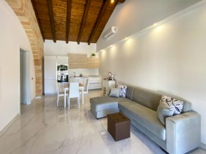 Serafina Deluxe Apartment by BeeYond Travel7