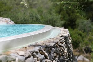 Villa Myrtos infinity pool detail