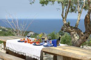 Villa Myrtos lunch outdoor and sea
