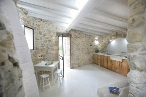 Villa Myrtos dining table