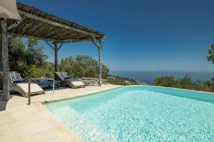 Villa Myrtos infinity pool